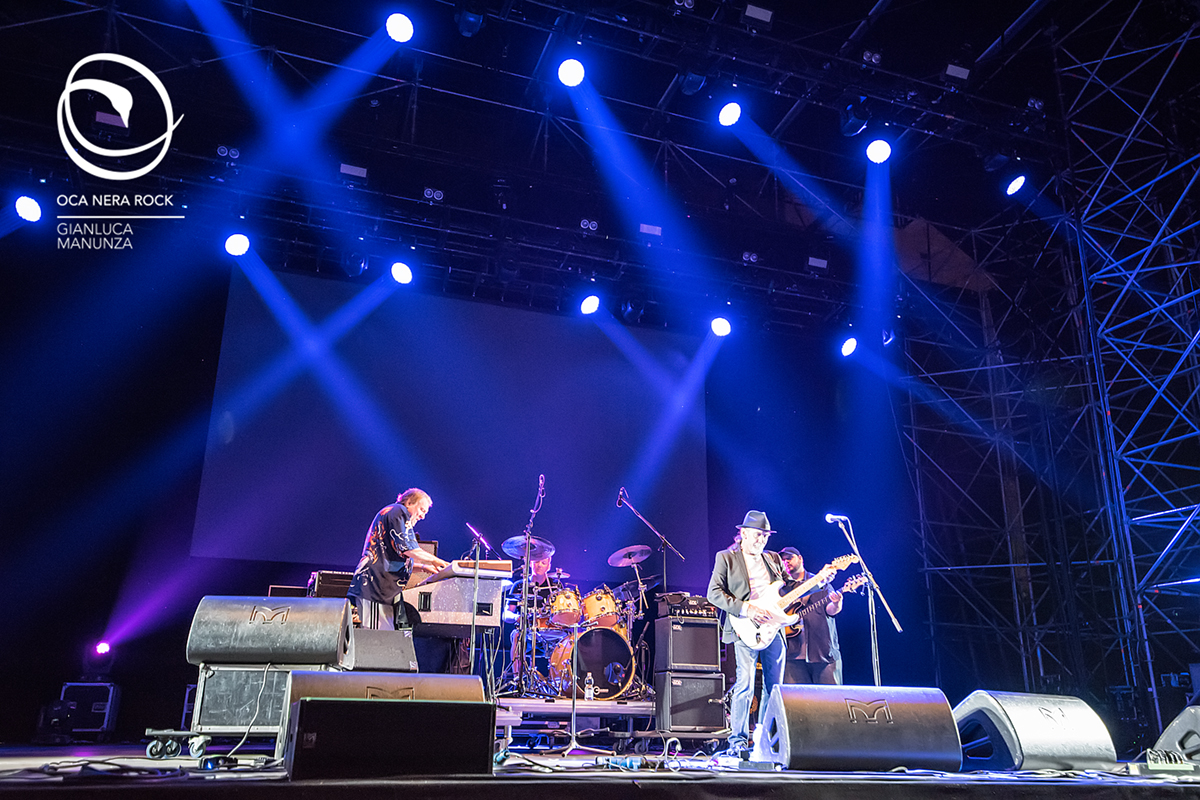 BrianAuger feat Alex Ligertwood - Pistoia Blues 2016